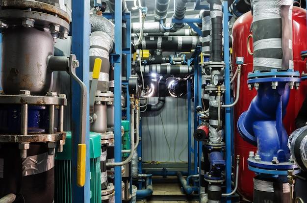 体温調節変電所、内側からの眺め