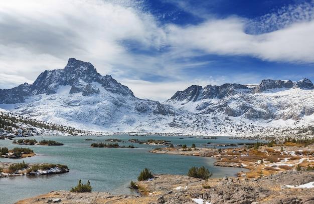 천 개의 섬 호수, 동부 시에라, 캘리포니아, 미국.