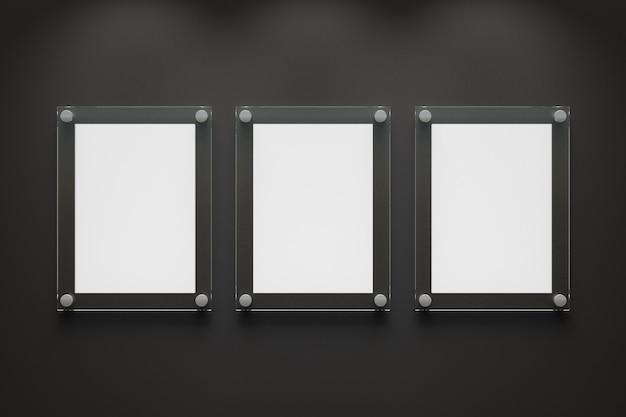 어두운 배경에 3개의 빈 투명 아크릴 보드입니다. 3d 렌더링 그림