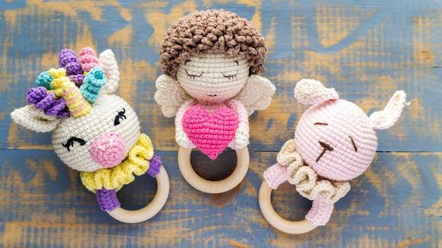 아이들을위한 세 가지 수제 니트 장난감. 평면도