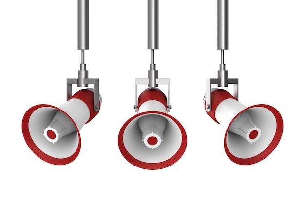 Три мегафона на белом фоне. изолированные 3d иллюстрации