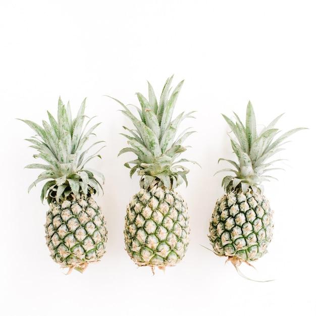 3つのパイナップル