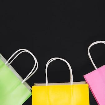 3つのショッピングバッグ