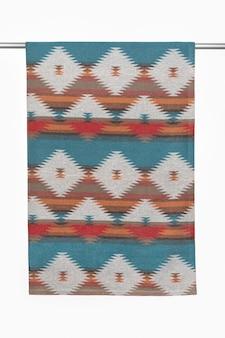 Бросок одеяла - аксессуар для холодной погоды, используемый индейцами северной америки. фоны и текстуры.