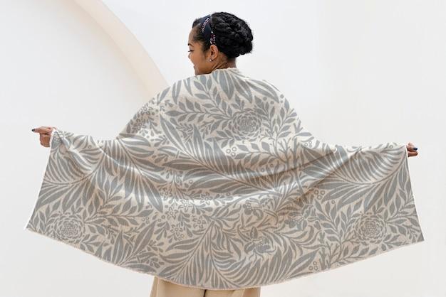 Throw blanket mockup in floral pattern