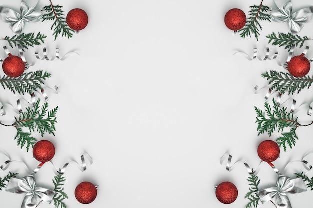 クロベの枝、トウヒ、新年の装飾