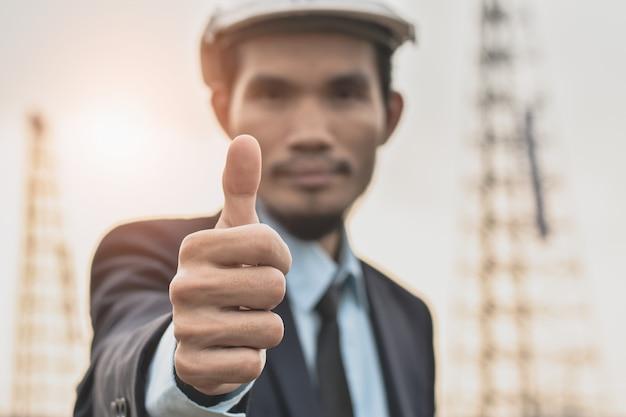 プロジェクトマネージャーthump up success building construction project