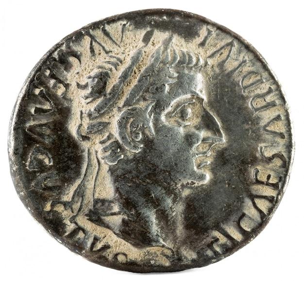 Tiberius obverse