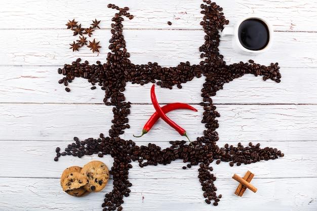 원두 커피, 컵, 쿠키, 계 피, 고추와 함께 틱택 토
