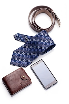넥타이, 벨트, 지갑, 액세서리 흰색 배경에 고립 된 남자