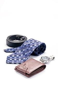 넥타이 벨트, 지갑, 흰색 배경에 고립 된 남성용 액세서리
