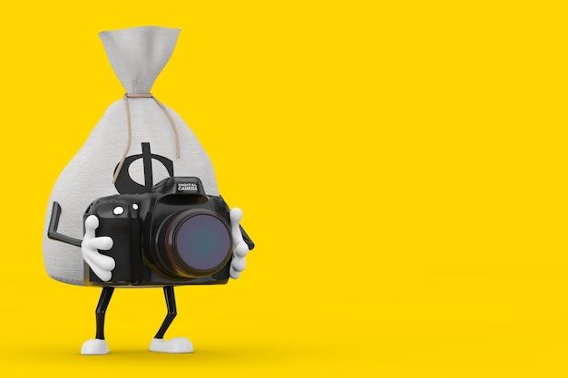 노란색 배경에 현대 디지털 사진 카메라가 있는 소박한 캔버스 리넨 돈 자루 또는 돈 가방과 달러 기호 캐릭터 마스코트를 묶었습니다. 3d 렌더링