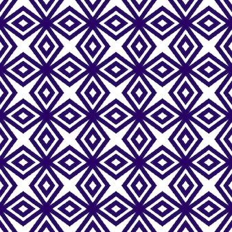 タイル張りの水彩パターン。紫の対称的な万華鏡の背景。テキスタイル対応の磁気プリント、水着生地、壁紙、ラッピング。シームレスな手描きのタイル張りの水彩画。