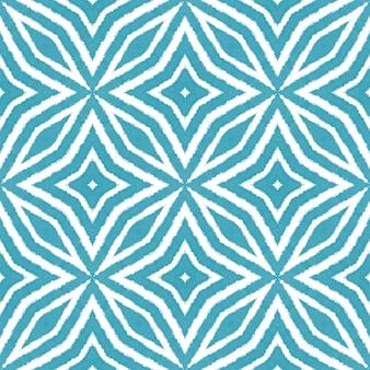 タイル張りの水彩パターン。ターコイズ対称の万華鏡の背景。テキスタイルレディチャーミングプリント、水着生地、壁紙、ラッピング。シームレスな手描きのタイル張りの水彩画。