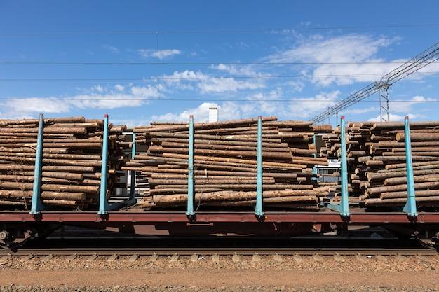 Перевозка леса по железной дороге