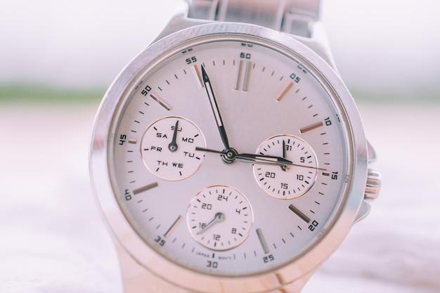 Часы time clock на деревянный стол