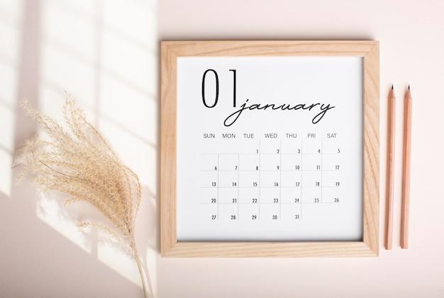 Концепция организации времени с календарем сверху