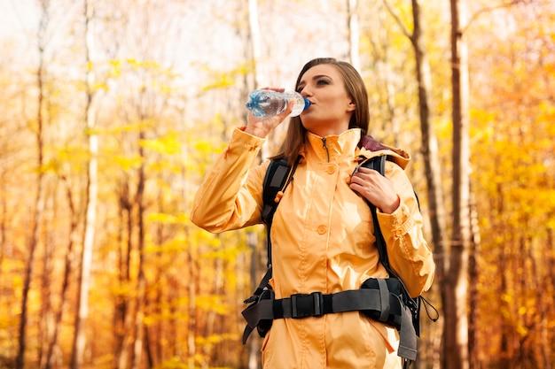 休憩して水を飲む時間