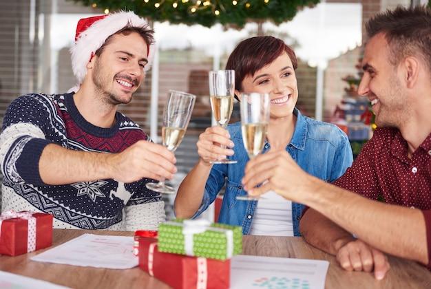 クリスマスと大晦日を祝う時間