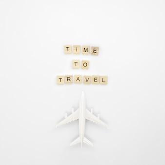 Tempo di viaggiare messaggio con l'aeroplano