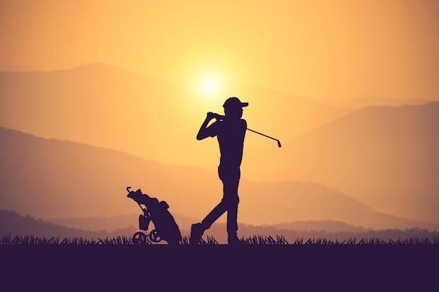 Силуэт гольфистов хит подметать и держать поле для гольфа летом для отдыха time.vintage цвет