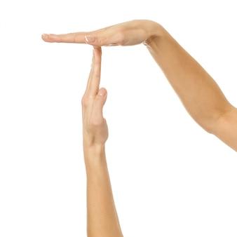 타임 아웃. 여자 손 몸짓에 고립 된 화이트