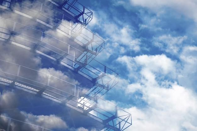 建築構造の設計のためのコンクリート金属構造の着色された背景