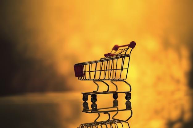 Маленькая тележка для супермаркета