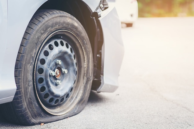 Tire deterioration is the cause of the accident