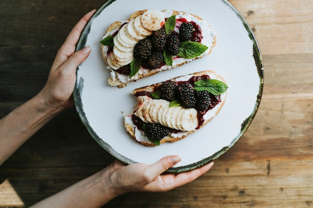 Toast with blackberry jam and vegan cream cheese