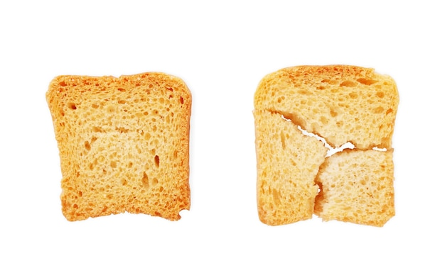 Поджаренный хлеб итальянские тосты брускетта, изолированные на белом фоне ломтики