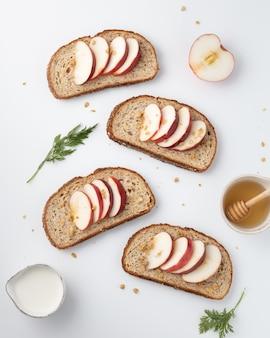 トーストしたタンパク質パン