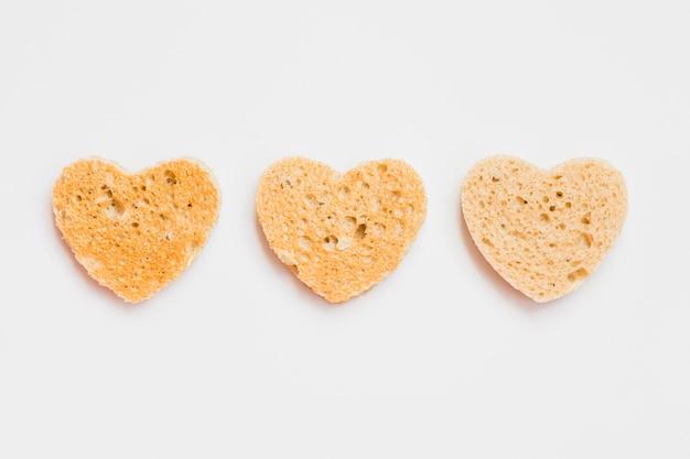 ハートの形のパンのトーストスライス