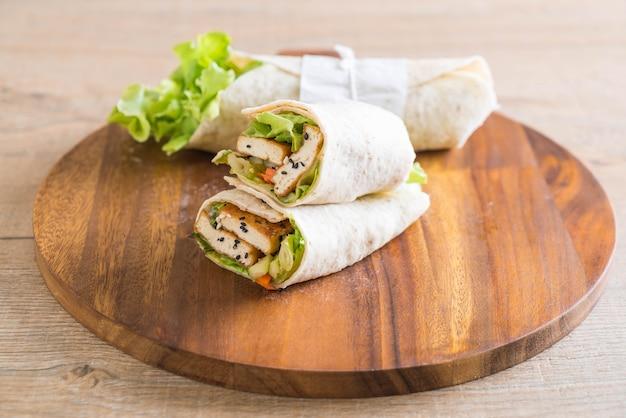Tofu wrap salad roll