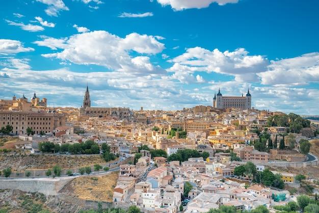 Городской пейзаж толедо толедо - столица провинции толедо, испания, объект всемирного наследия юнеско.