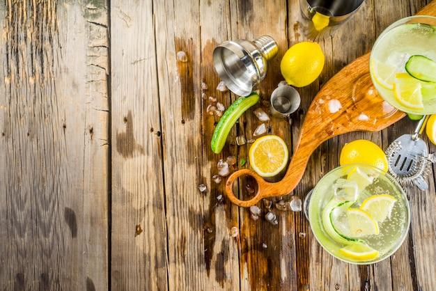 Модный летний алкогольный коктейль tom collins