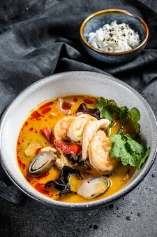 Tom yam kung soup, thai cuisine
