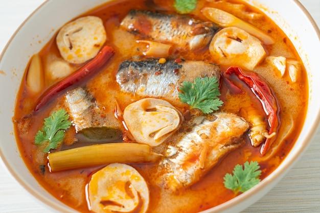 トムヤムクンのサバのスパイシースープ缶詰