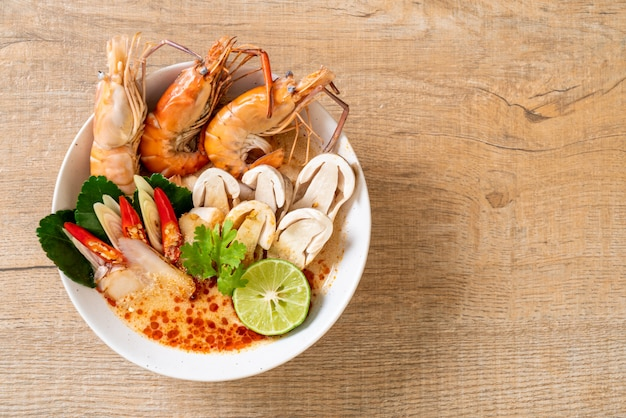 海老のスープ(tom yum goong)