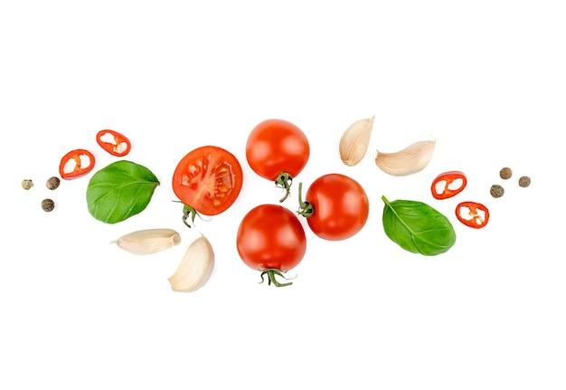 トマト、バジル、スパイス、唐辛子、玉ねぎ、にんにく。