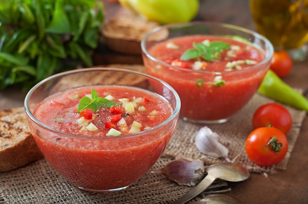 Tomato gazpacho soup with pepper and garlic.