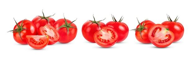 白い表面に分離されたトマト