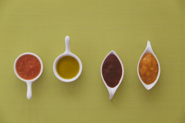 Pomodoro, olio d'oliva e marmellata