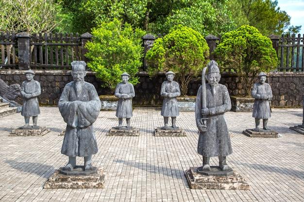 ベトナム、フエのマナダリン名誉衛兵とカイディン帝廟