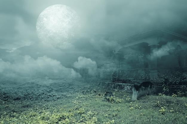 Надгробия на кладбище на фоне полной луны. концепция хэллоуина