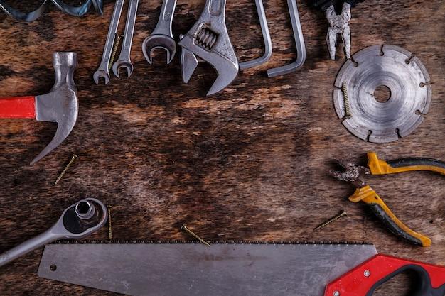 テーブルの上のツール