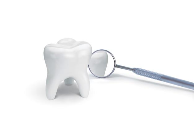白の歯科用ミラーが付いている歯。創造的なアイデア。 3dイラスト、3dレンダリング