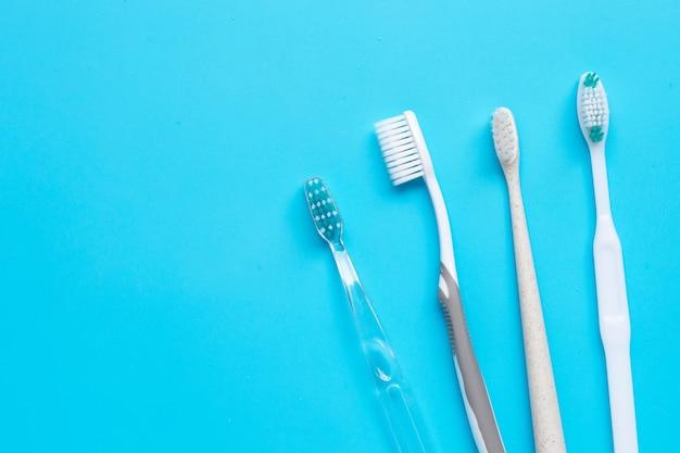 Зубные щетки. вид сверху
