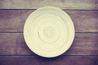 Top natural empty round wooden