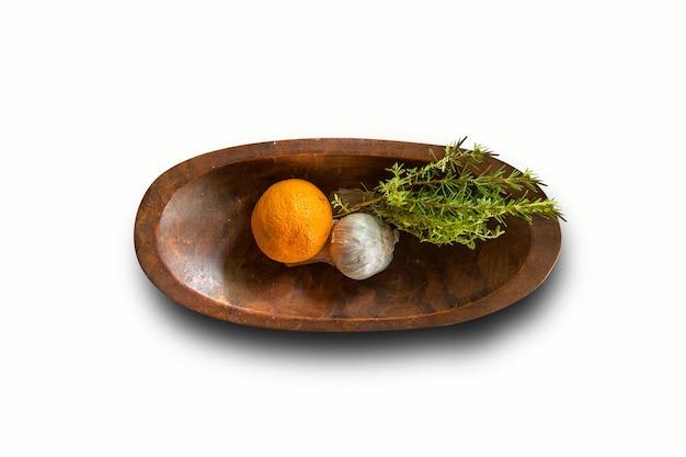 귀하의 디자인 요소에 적합한 나무 그릇 아시아 매운맛의 위쪽 보기.